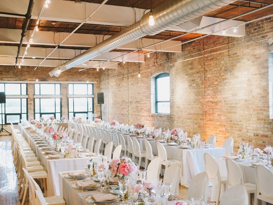 City chic wedding at the burroughes for Cheap wedding venues ontario
