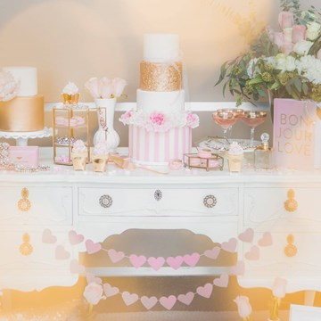 Pink and Gold Romantic Valentine's Day Inspired Shoot