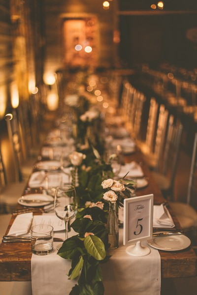 Enoch Turner Schoolhouse wedding photos by Erika at Ten·2·Ten Photography (www.ten2tenphotography.com)