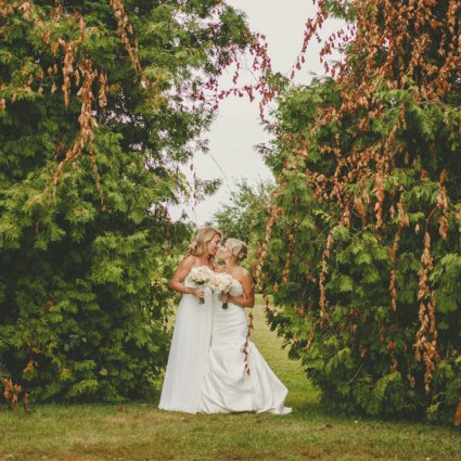Thumbnail for The Laurens' Whimsical Wedding at Fields on West Lake