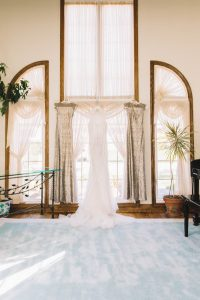 Carousel images of Vogue Sposa