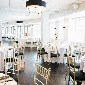 Jenna and Matthew's Classically Modern Wedding At The Doctor's House