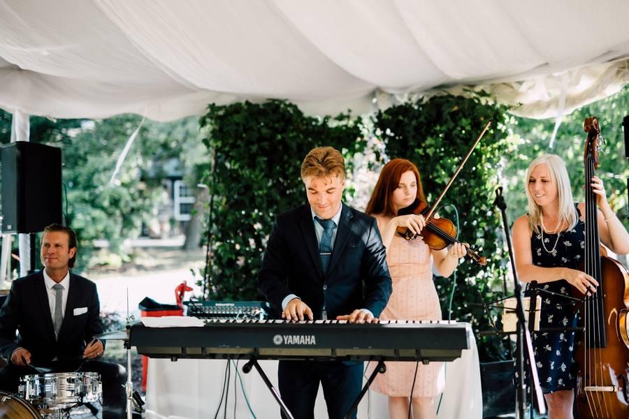 Wedding at Kurtz Orchards, Toronto, Ontario, Simply Lace Photography, 39