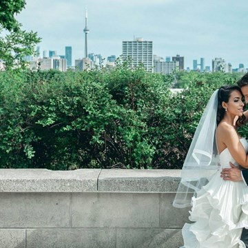 Laura and Tomas' All White Wedding in Casa Loma's Glass Pavilion