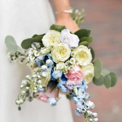 Lux Bloom Events featured in Julia and Elgin's Whimsical Wedding at Airship 37