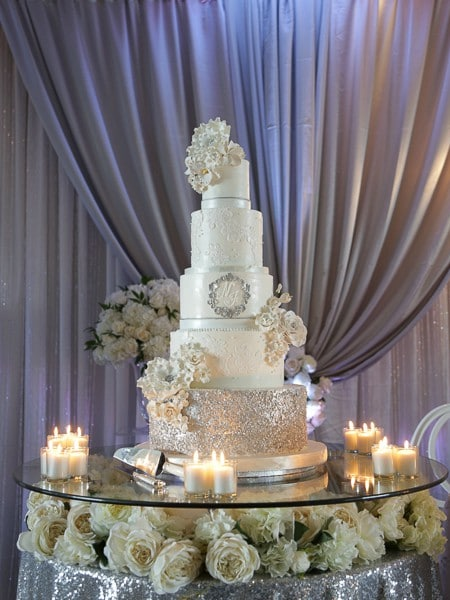 Carousel image of Fabulous Cakes and Confections, 2
