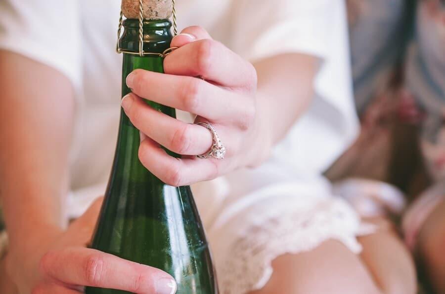 Wedding at Nestleton Waters Inn, Nestleton, Ontario, Jolene Barker Photography, 4