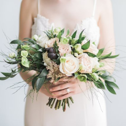 BLUUMBLVD Floral & Events featured in A Stunning Style Shoot at The Richmond: Bare Your Soul