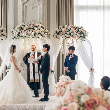 All Seasons Weddings featured in Hong and Mingcheng's Ultra Luxe Wedding at The King Edward Hotel