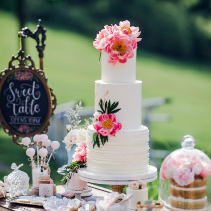 Flour and Flower Cake Design featured in Angelina and Victor's Lush Wedding at The Royal Ambassador