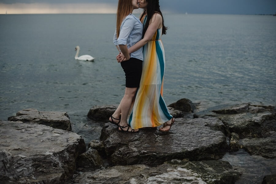 toronto photographers share romantic engagement shots, 24