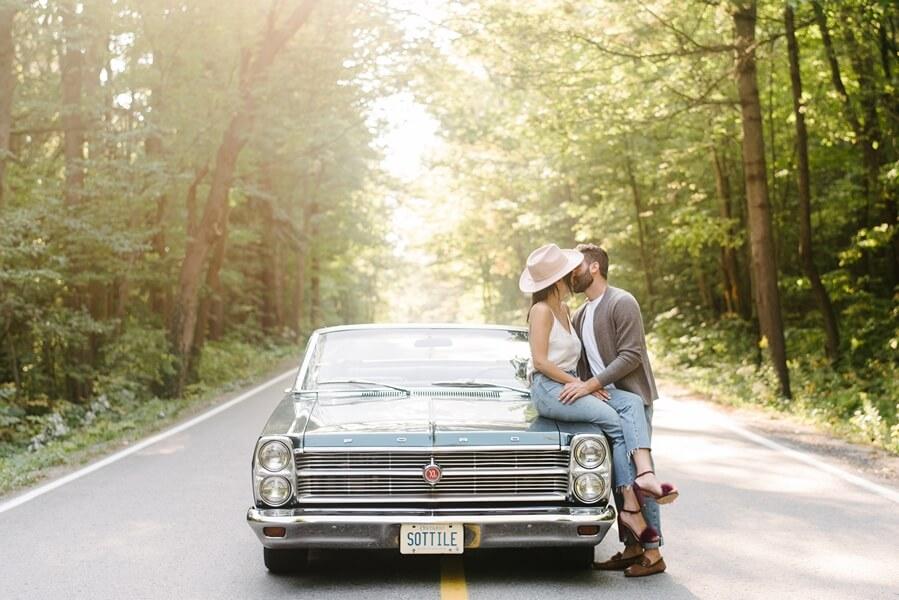 toronto photographers share romantic engagement shots, 17