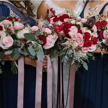 How to Be the Best Bridesmaid/Maid of Honour Ever!