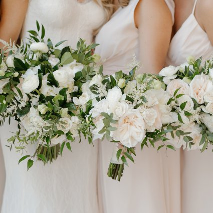 Thumbnail for Erica and Michael's Modern-yet-Elegant Wedding at The Arlingt…