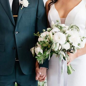 Kwan Yu and Jimmy's Simple-Yet-Stylish Wedding at Airship 37