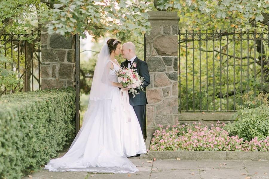Wedding at Graydon Hall Manor, Toronto, Ontario, Elizabeth In Love, 23
