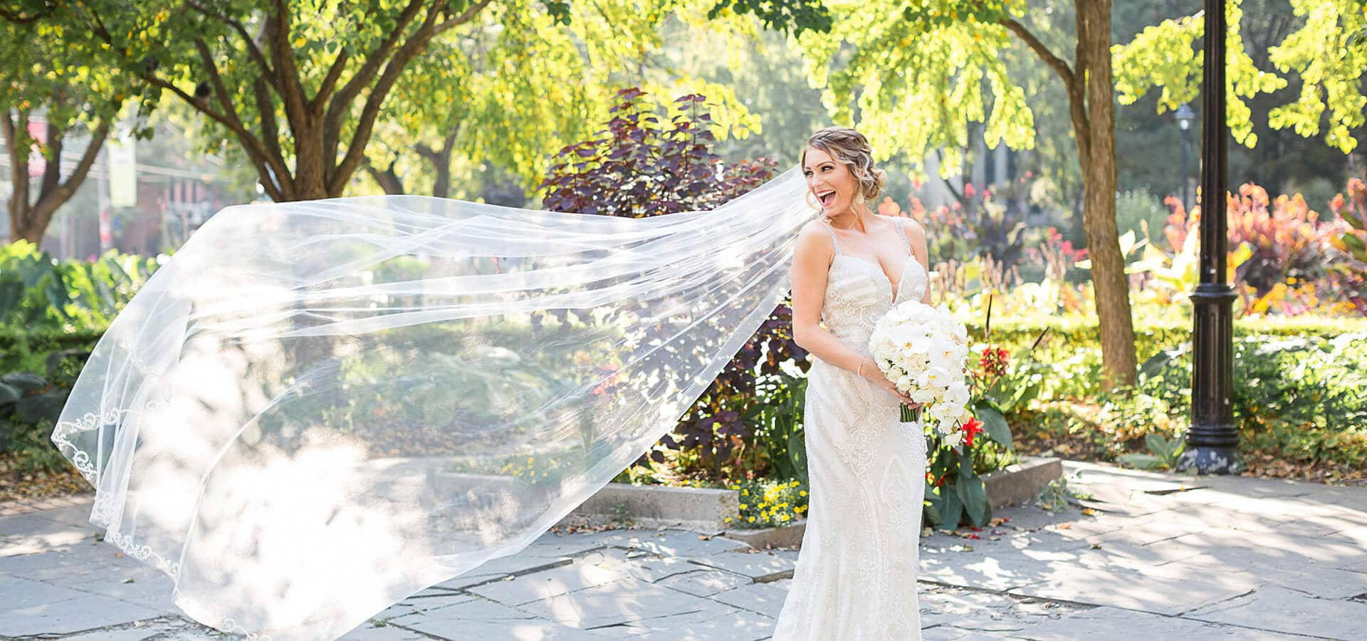 Hero image for The Dos and Don'ts of Wedding Dress Shopping