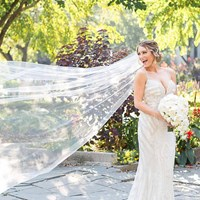 The Dos and Don'ts of Wedding Dress Shopping