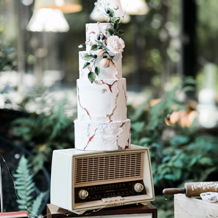 Cakelaine featured in Love by Lynzie and Drake Catering Present: A Stunning Pop-Up …