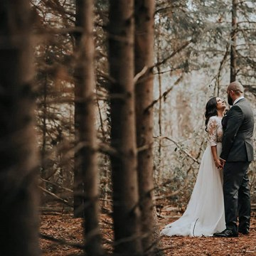 Amanda and Brad's Cozy Fall Wedding at The Doctor's House