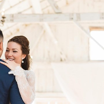 Diana and Anthony's Rustic Wedding at Rainbow Valley Wedding Barn