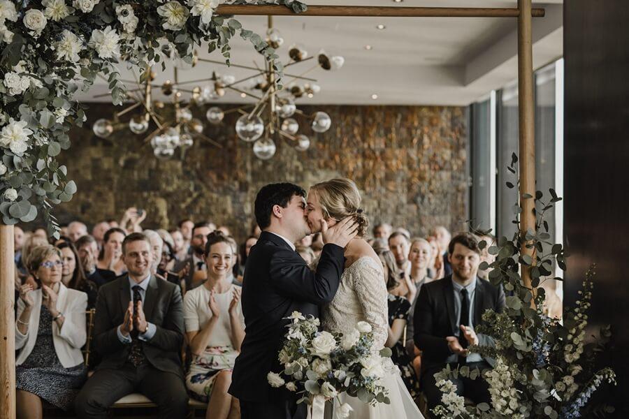 toronto wedding photographers share their favourite best kiss photos, 15