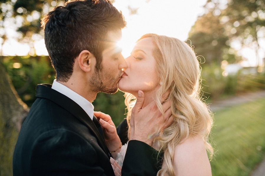 toronto wedding photographers share their favourite best kiss photos, 19