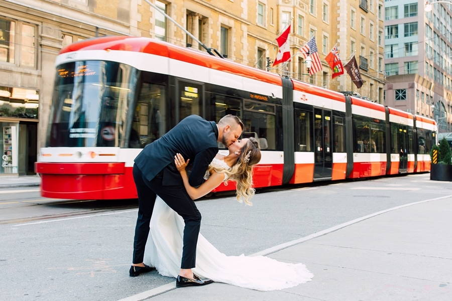 toronto wedding photographers share their favourite best kiss photos, 22