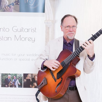 Dunstan Morey Guitarist featured in 2019's Annual Wedding Open House at Estates of Sunnybrook