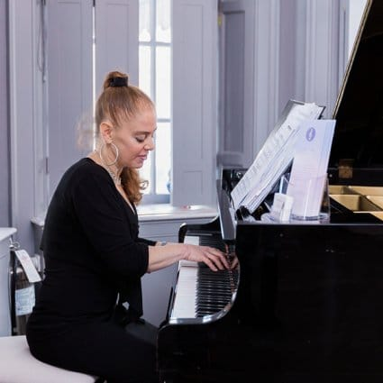 Alisa Gayle Piano featured in 2019's Annual Wedding Open House at Estates of Sunnybrook