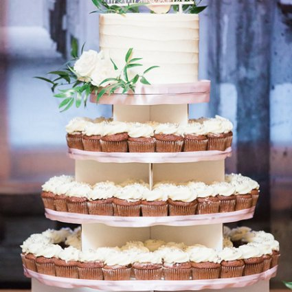 For The Love of Cake featured in Erin and Alexander's Warm Wedding at Archeo