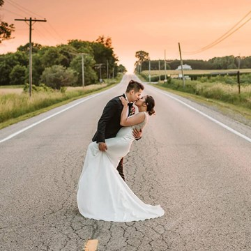 Toronto Wedding Photographers Share Their Favourite/Best Kiss Photos