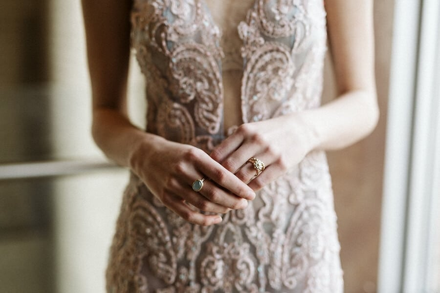styled shoot celestial love in the city, 20