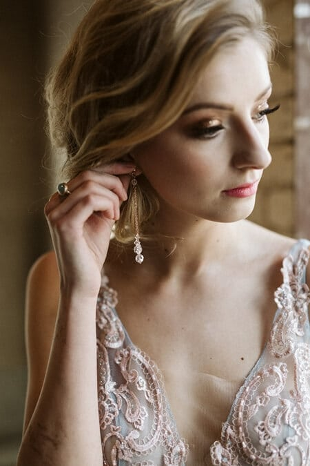 styled shoot celestial love in the city, 21