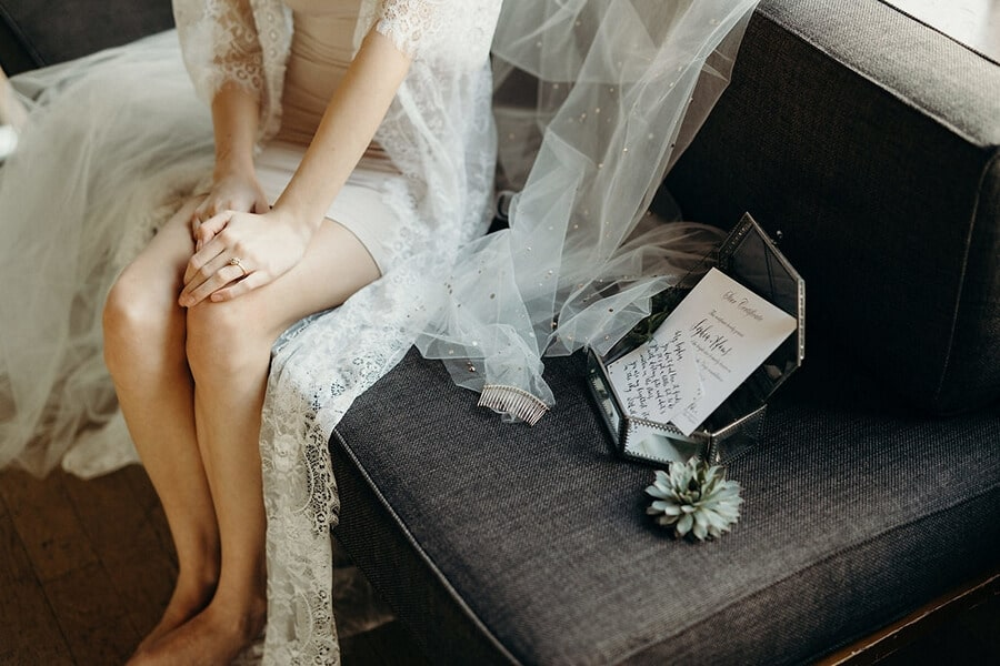 styled shoot celestial love in the city, 19