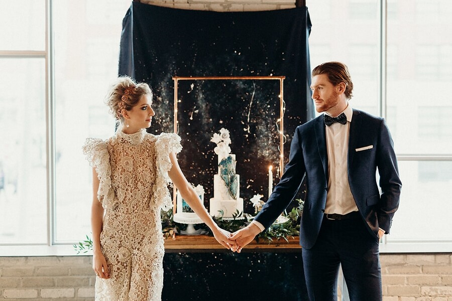 styled shoot celestial love in the city, 40