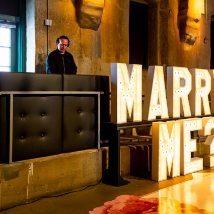 Michael Coombs Entertainment featured in Distillery Events' 2019 Annual Wedding Open House