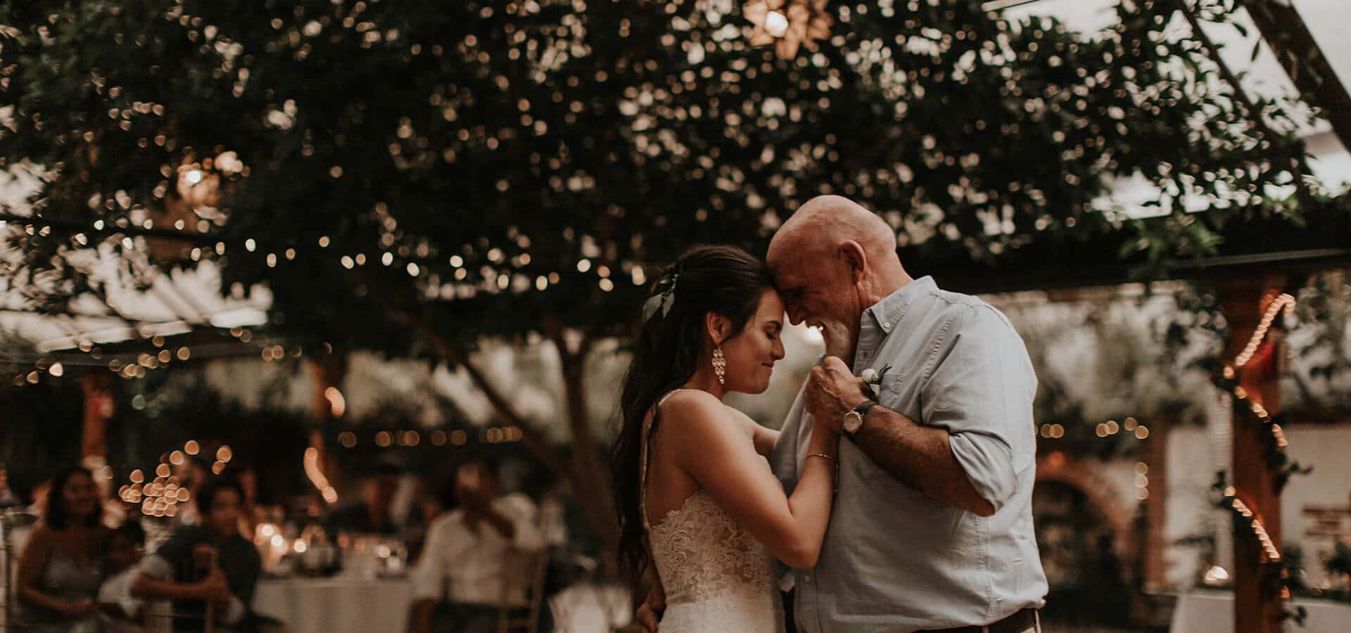 Hero image for 7 Special Ways to Honour Your Parents on Your Wedding Day