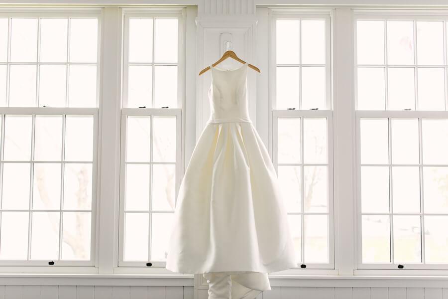 Wedding at Royal Canadian Yacht Club, Toronto, Ontario, Lindsie Grey, 2