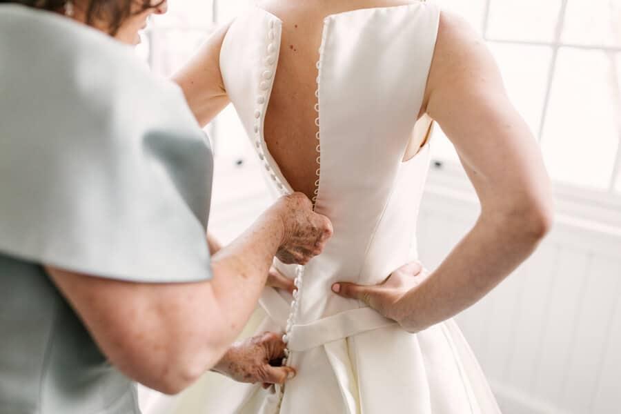 Wedding at Royal Canadian Yacht Club, Toronto, Ontario, Lindsie Grey, 3