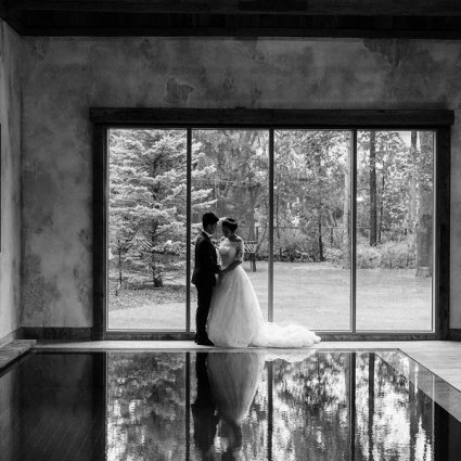 Rainbow Chan Weddings and Events featured in Emma and Xi's Intimate Affair at a Beautiful Private Residenc…