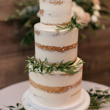 The Cocoa Cakery featured in Nerissa and Neil's Urban Downtown Wedding at Airship37