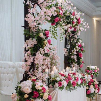 The Royalton featured in Joanna and Giampiero's Elegant Wedding at The Royalton