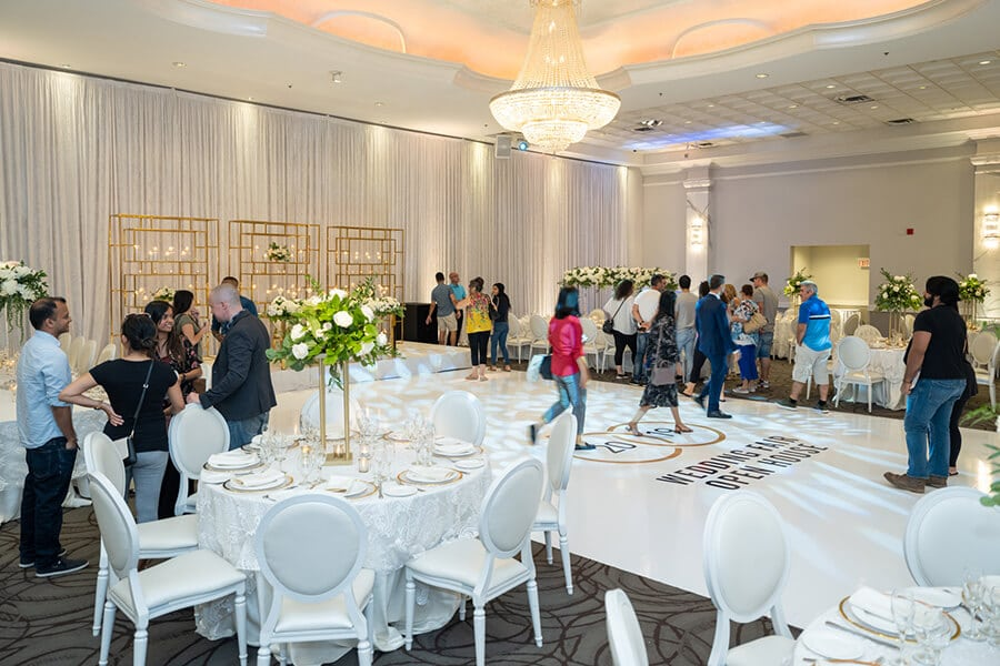 a fall wedding fair open house at the mississauga convention centre, 21