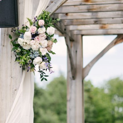 Botany Floral Studio featured in Yar Ting and Carlson's Beautiful Arlington Estate Wedding