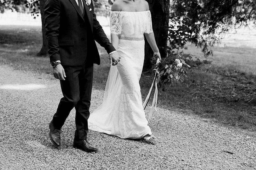 Wedding at Kurtz Orchards, Toronto, Ontario, Caileigh Langford, 18