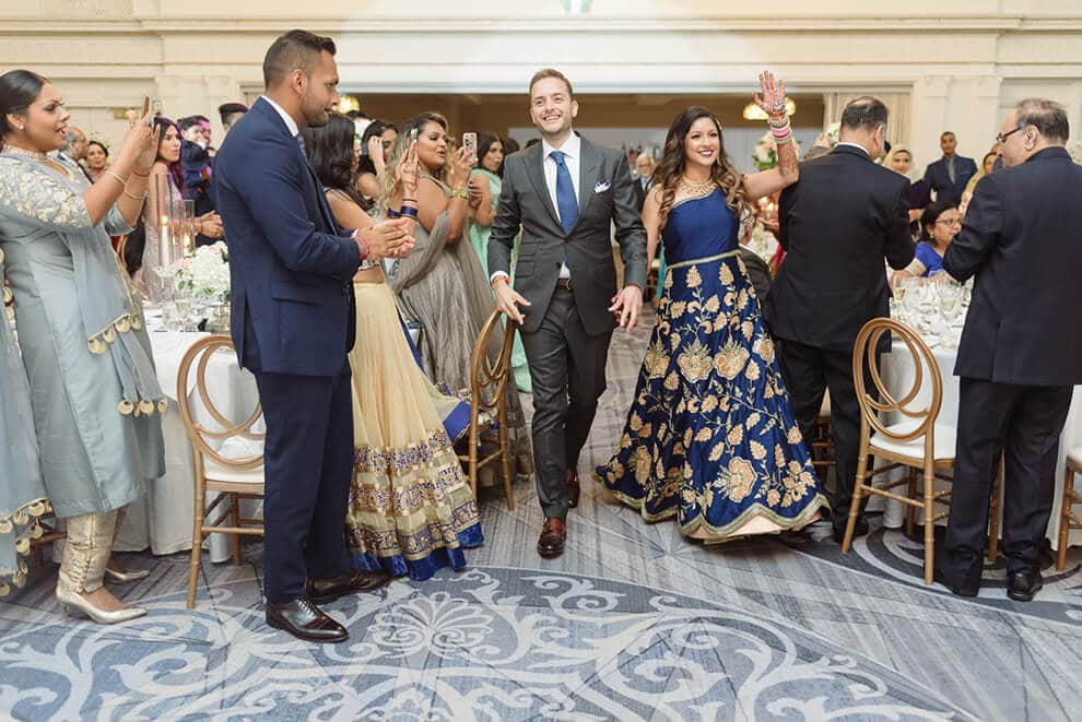 5 unique ways to enter your wedding reception in style, 1