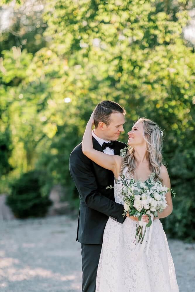 Wedding at Madsen's Banquet Hall, Newmarket, Ontario, Elizabeth In Love, 17