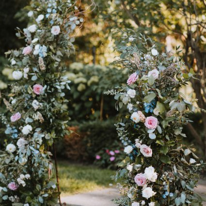 """DeLight Floral + Design featured in Carol and Sam's """"Alice in Wonderland"""" Wedding at Graydon Hall"""