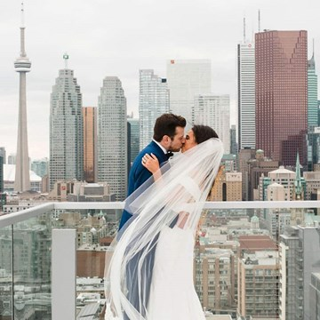 Courtney and Aaron's Glam Wedding at the Globe and Mail Centre